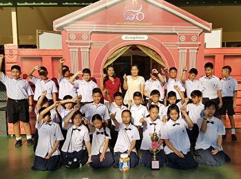 รางวัลชนะเลิศแชร์บอล จัดโดยคณะกรรมการนักเรียน ๒๕๖๑
